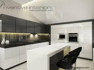 INVENTIVE INTERIORS - Klimatyczny dom w szarościach: styl , w kategorii Kuchnia zaprojektowany przez Inventive Interiors