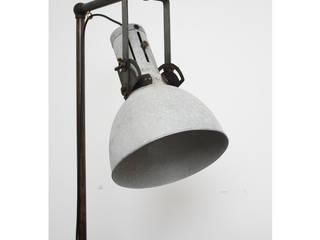 Piantana Industriale, formato XXL:  in stile  di NOSES LAB.