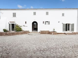 Rustic style houses by munarq Rustic