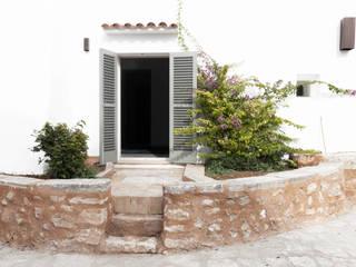 FELANITX RENOVATION Casas de estilo rústico de munarq Rústico