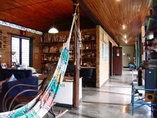 Klassische Wohnzimmer von YUSO Klassisch