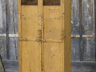 Blickfang: Alte Zeiten Menzel & Bauer GbR BedroomWardrobes & closets Iron/Steel Beige
