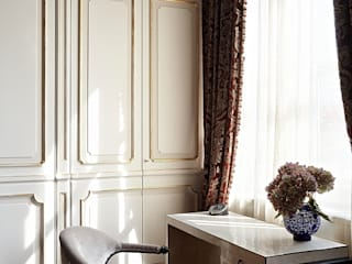 Lake House, Lago di Como, Italy: klasieke Studeerkamer/kantoor door Ethnic Chic Home Couture