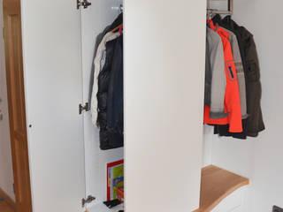 Garderobe herpich & rudorf GmbH + Co. KG Flur, Diele & TreppenhausKleiderständer und Garderoben Holz Weiß