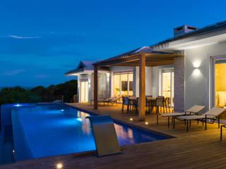 WR House Balcones y terrazas de estilo tropical de Renata Matos Arquitetura & Business Tropical