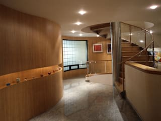 CASA LAURELES Diseño Integral En Madera S.A de C.V. Pasillos, vestíbulos y escaleras modernos