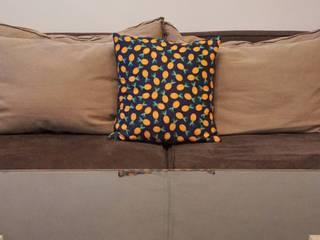 Housse de coussin Blue Pineapples par Liva La Vida Éclectique