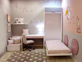 Dormitorio niña con cama plegable:  de estilo  de Alábega