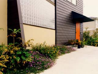 ユミラ建築設計室 Modern windows & doors
