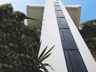 ascensor a la playa nerja torradoarquitectura Modern corridor, hallway & stairs
