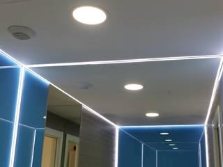 chalet adosado en imaginalia albacete torradoarquitectura Modern corridor, hallway & stairs