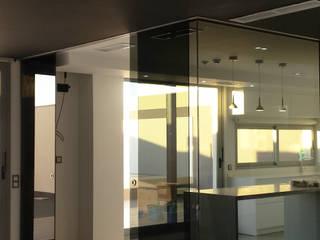 chalet adosado en imaginalia albacete torradoarquitectura Modern kitchen