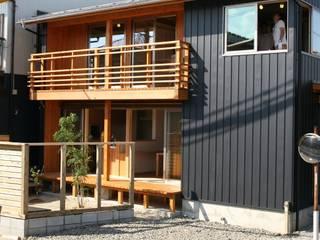 株式会社タマゴグミ Modern houses Wood Black