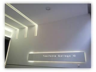 Portal tesifonte torradoarquitectura Moderne gangen, hallen & trappenhuizen