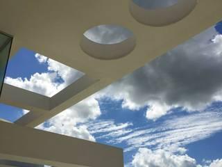 Casa en Cardales Balcones y terrazas de estilo moderno de BARRIONUEVO SIERCHUK ARQUITECTAS Moderno