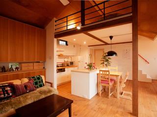 古いお家を思いきり楽しむ。光あふれる元気な住まい: 株式会社スタイル工房が手掛けたです。