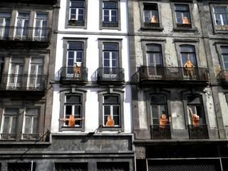aRRIBa: Casas de estilo  por Alejandra Paz Fotografías