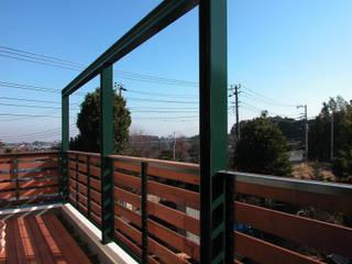 ユミラ建築設計室 Modern balcony, veranda & terrace