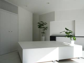 田中邸屋内改装工事 モダンデザインの 多目的室 の 伊波一哉建築設計室 モダン