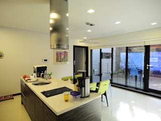 Modern kitchen by 구도건축사사무소 Modern