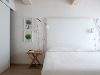 Modern style bedroom by Benedini & Partners Modern