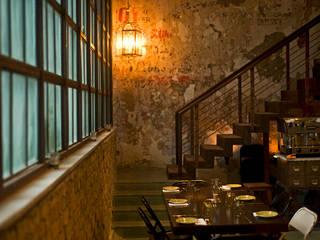 Pali Village Cafe Team Design 現代風玄關、走廊與階梯