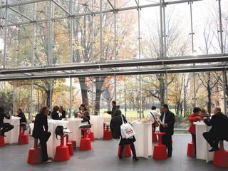 Drink & Light Drink Ingresso, Corridoio & Scale in stile moderno di Jorge Nájera Moderno