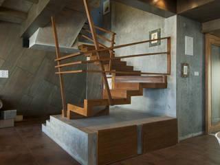 Supreme Residency Team Design 現代風玄關、走廊與階梯