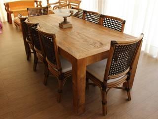 Mesas em madeira de demolição:   por Casa da Fazenda Móveis,Rústico