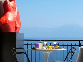 Forti contrasti sul golfo di Napoli di PDV studio di progettazione Eclettico