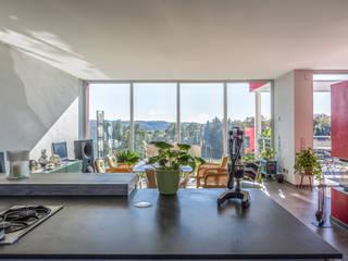Blick aus der Küche:  Esszimmer von aaw Architektenbüro Arno Weirich
