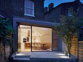 Facet House Modern Garden by Platform 5 Architects LLP Modern