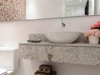 Apartamento 184m²: Banheiros  por Cotta Arquitetura e Interiores,