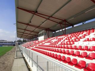 Tribünenanlage SV Eintracht Nordhorn:  Fitnessraum von LINDSCHULTE Ingenieure + Architekten