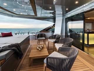 MCY 105 Yacht & Jet in stile moderno di roberta mari Moderno
