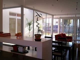 Dining room by Ohm Arquitectura,