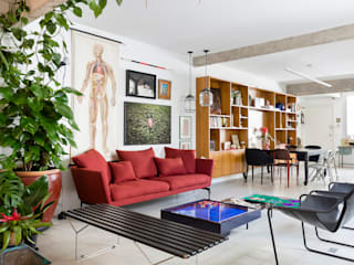 Living room by RSRG Arquitetos,