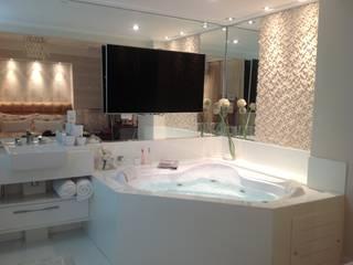 Ванные комнаты в . Автор – Marcia Arcaro Design Ltda ME, Модерн