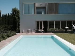 Casa Moderna GG&A Modern pool