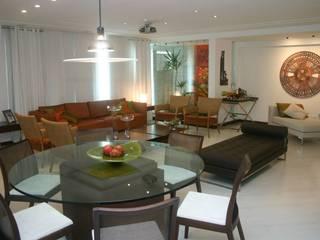 Apartamento em Itaparica: Salas de jantar  por FABIO PINHO ARQUITETURA