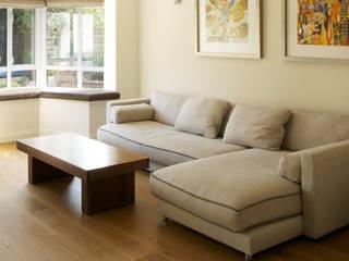 Byron Road Modern living room by Civic Design + Build Modern