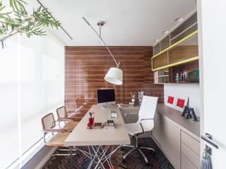 Escritório: Escritórios  por Arina Araujo Arquitetura e Interiores