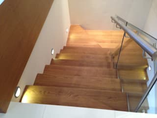 Diseño Integral En Madera S.A de C.V. Modern Corridor, Hallway and Staircase