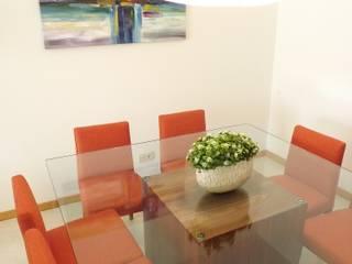 Traço Magenta - Design de Interiores Comedores de estilo moderno