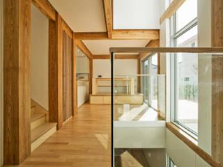 min workshop Pasillos, vestíbulos y escaleras de estilo moderno