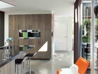 Woonhuis EABR Veldhoven:  Keuken door 2architecten, Modern