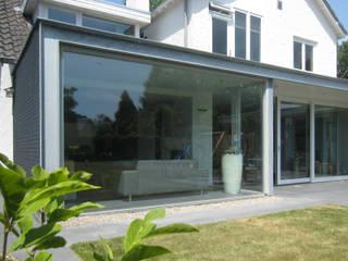 Woonhuis LBRL Asten:  Huizen door 2architecten, Modern