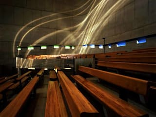 Iglesia de Saint-Pierre: Estudios y oficinas de estilo  por Estudio 3