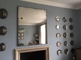 Overmantel mirror, UK von Dominic Schuster Ltd. Ausgefallen