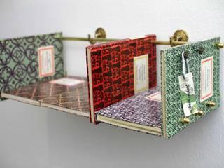 Das Regal: Der Lockenraub:  Schlafzimmer von Andreas Neuland
